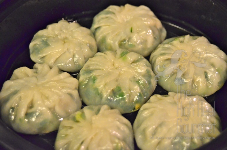 Steam Garlic Chive Dumplings, Kanom Gu Chai by The High Heel Gourmet 43