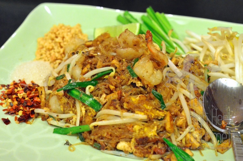 Pad Thai using glass noodles.