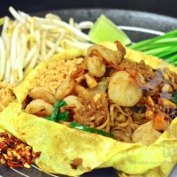 The Variations of Pad Thai Recipe (PadThai with Egg Crêpe, Glass Noodles Pad Thai and More) – PadThai Trilogy Episode III