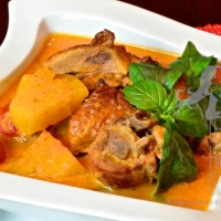 Authentic Thai Roast Duck Red Curry, Kaeng Phed Ped Yang – An Overture Number I of the Thai Curry Series