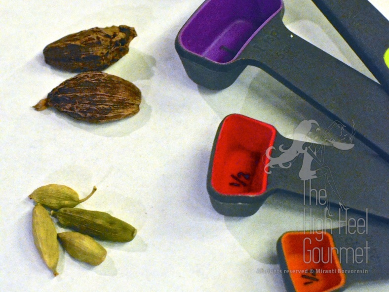 Top dark pods are Black Cardamom. The smaller green pods are the Green Cardamom. The measuring spoons are to give you the sense of the size of the pods.