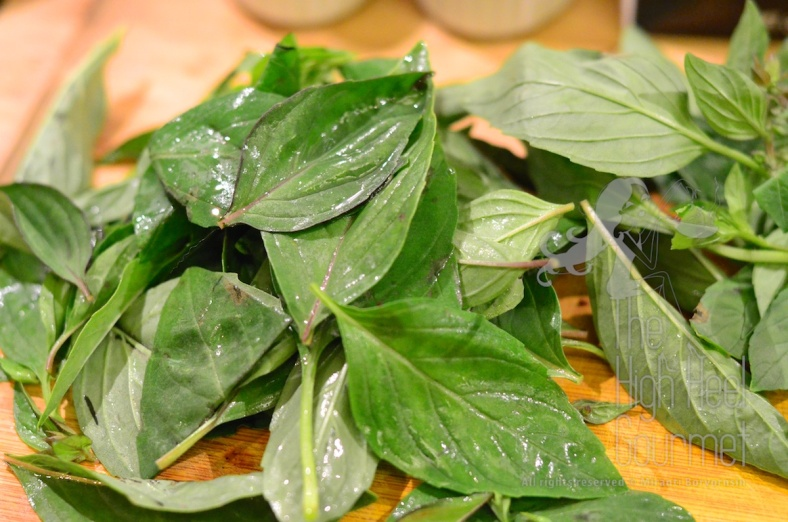 Thai Green Curry Paste ingredients basil leaves
