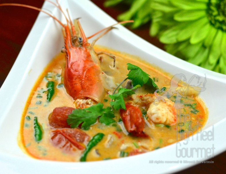 Thai Tom Yum Goong - Hot and Sour, Spicy Prawn Soup (2)