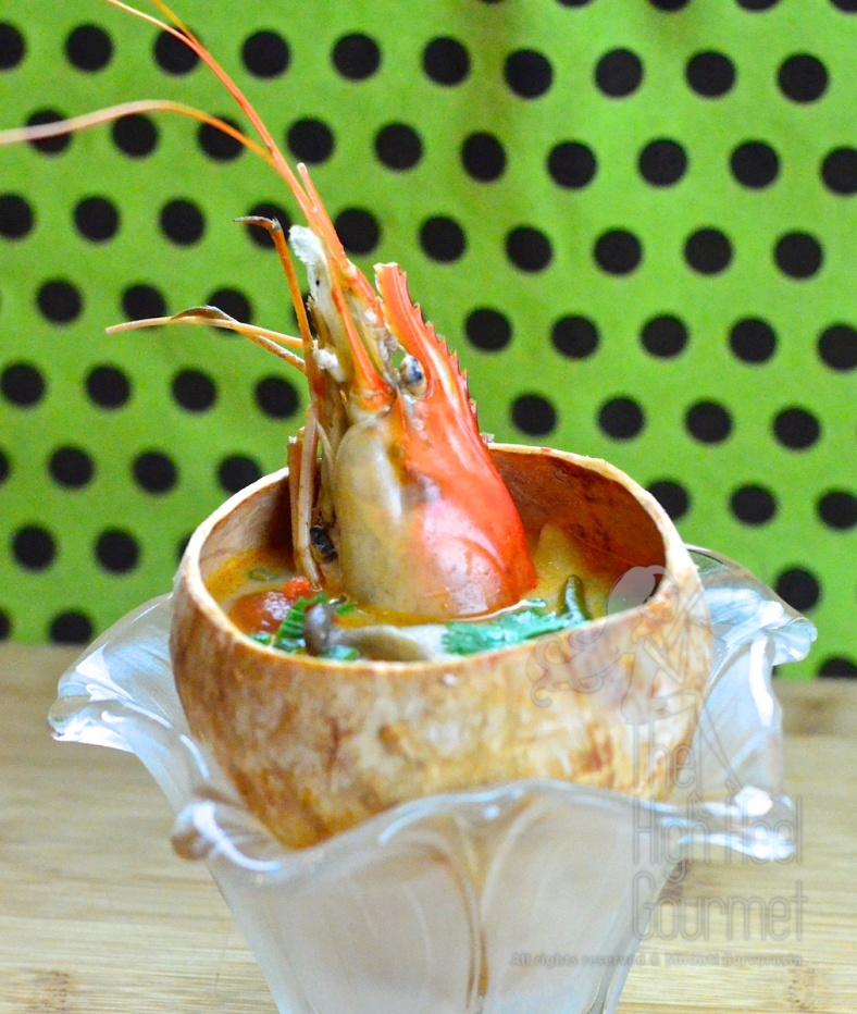 Thai Tom Yum Goong - Hot and Sour, Spicy Prawn Soup   7
