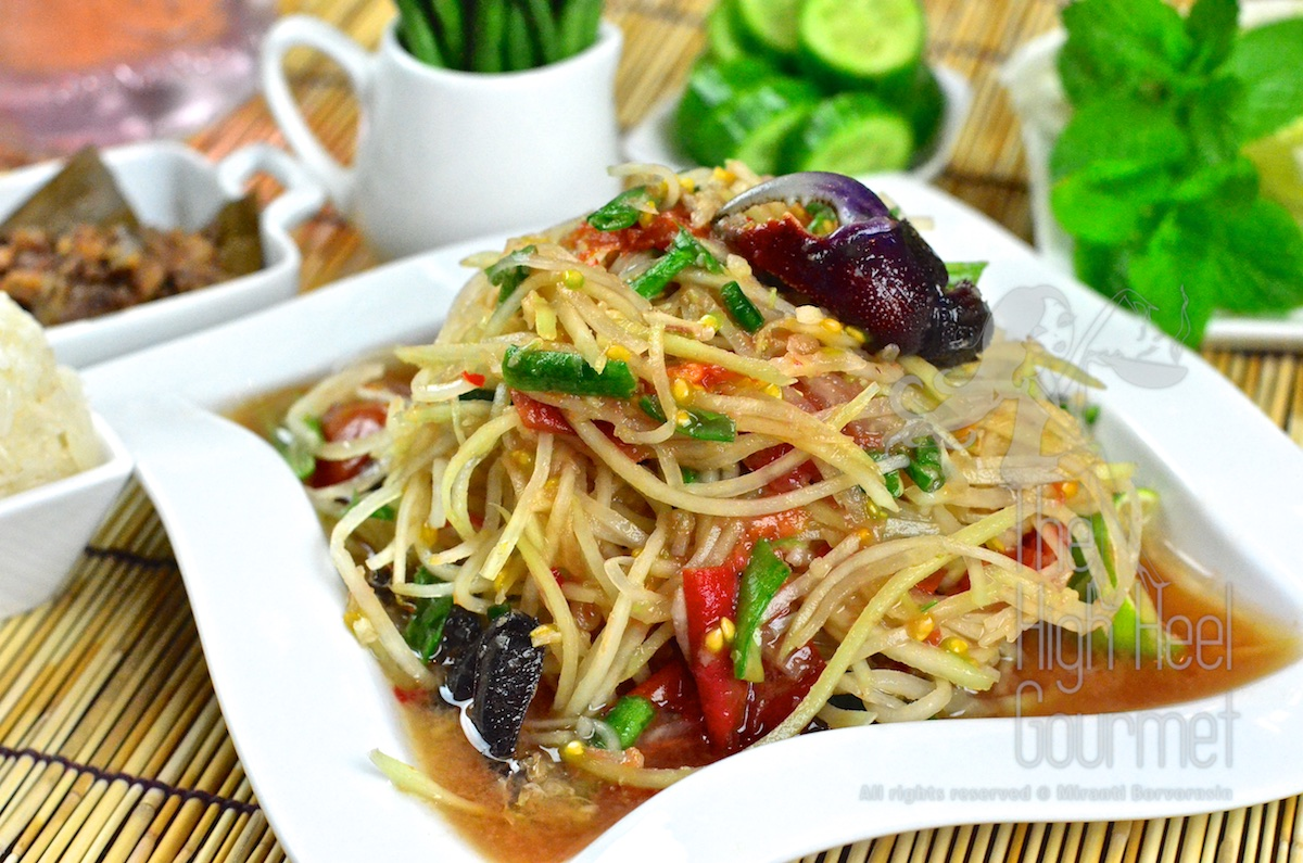 authentic spicy thai green papaya salad som tam the