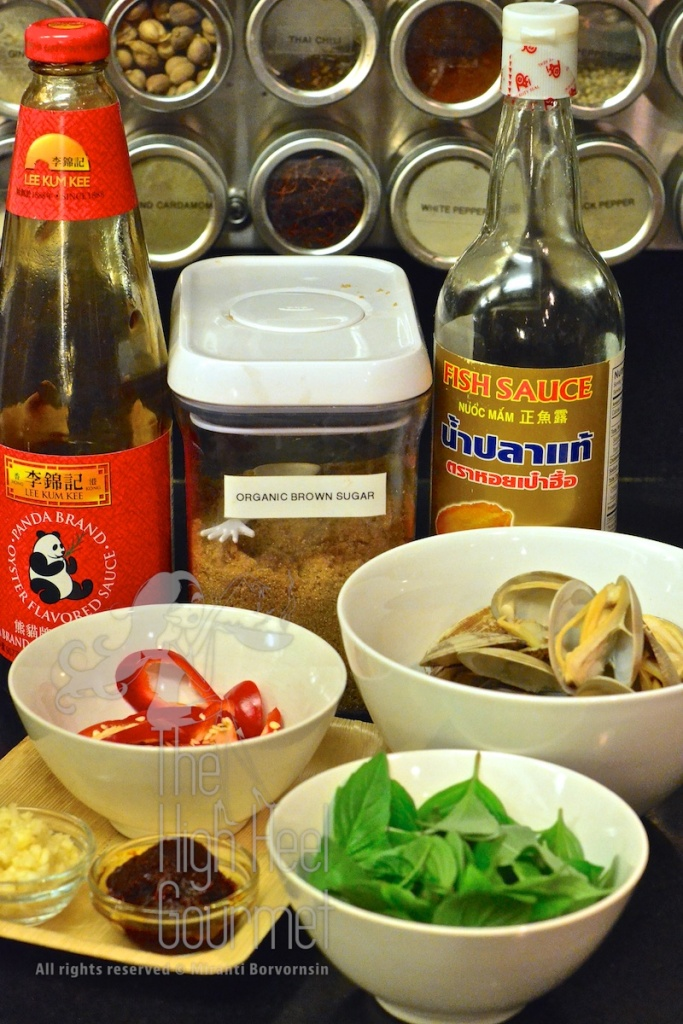 Clams in Spicy Thai Chili Jam Sauce and Basil - Hoi Lai Pad Nam Prik Pao by The High Heel Gourmet 3