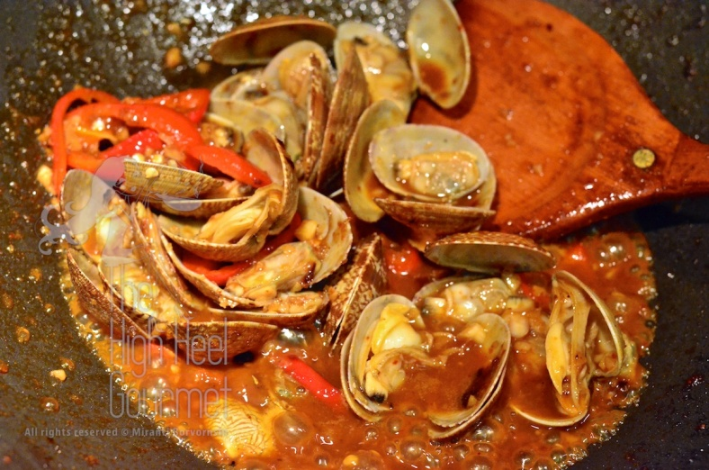 Clams in Spicy Thai Chili Jam Sauce and Basil - Hoi Lai Pad Nam Prik Pao by The High Heel Gourmet 7