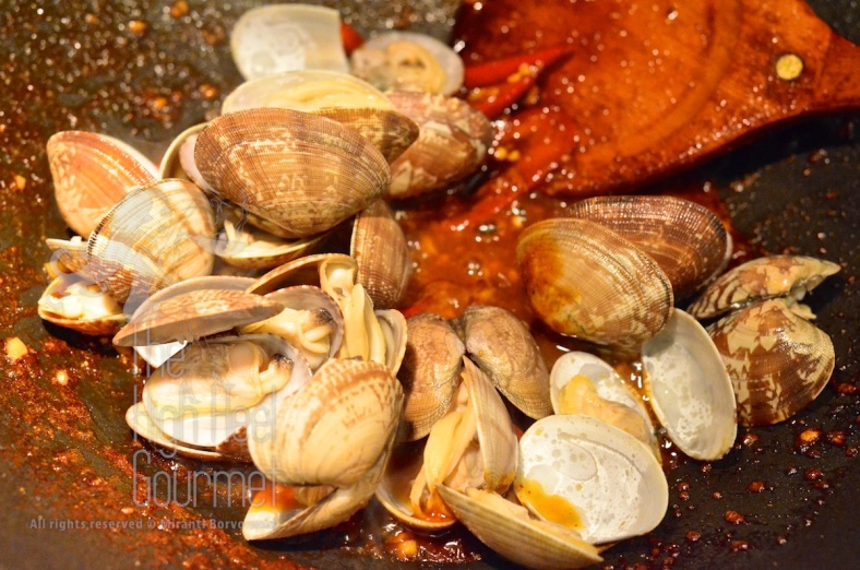 Clams in Spicy Thai Chili Jam Sauce and Basil - Hoi Lai Pad Nam Prik Pao by The High Heel Gourmet 8
