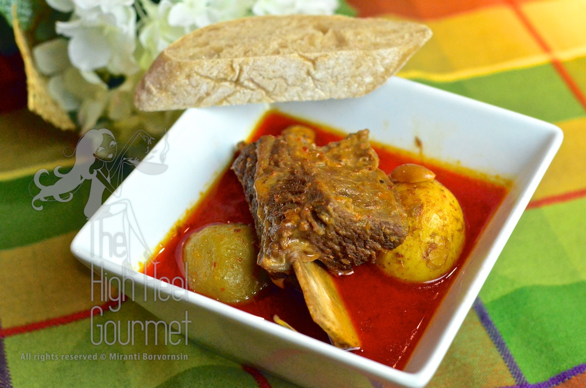Curry Paste and Cornish Game Hen in Massaman Curry – Thai Curry ...