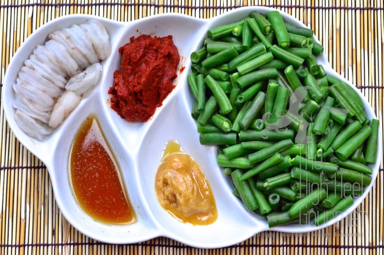 Stir Fried Shrimp with Green Bean and Chili Paste Pad Phrik Khing Goong  4