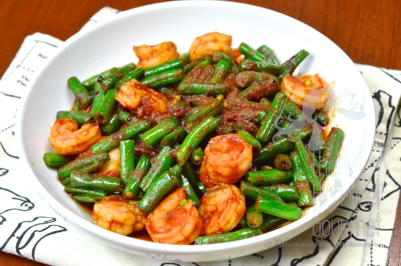 Stir Fried Shrimp with Green Bean and Chili Paste Pad Phrik Khing Goong  6