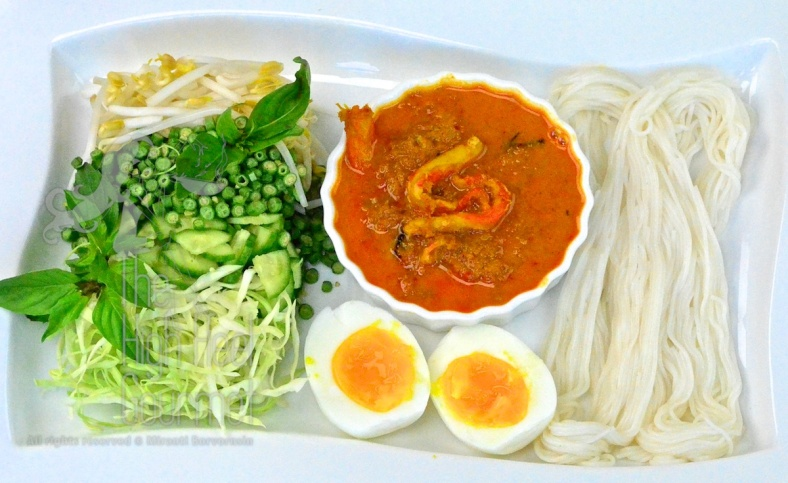 Southern Thai Rice Noodled Salad with Curry Sauce - Kanom Jeen Nam Ya Tai by The High Heel Gourmet 11