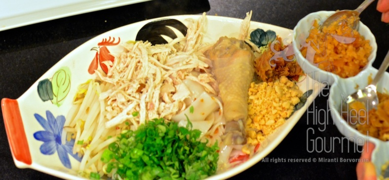 Thai Chicken Noodles Soup and Salad, Guay Tiew Gai by The High Heel Gourmet 4