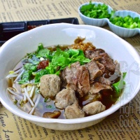 Authentic Thai Slow Cooked Beef with Noodles, Guay Tiew Neau Toon – Thai Noodles for Beginner Episode V