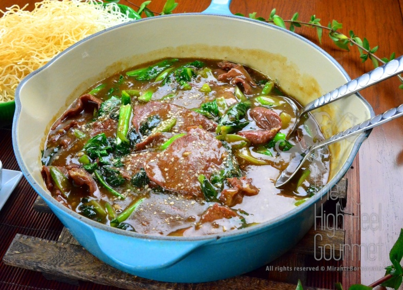 Authentic Thai Guay Tiew Rad Na - Rice Noodles in Gravy with Meet and Broccoli by The High Heel Gourmet 11