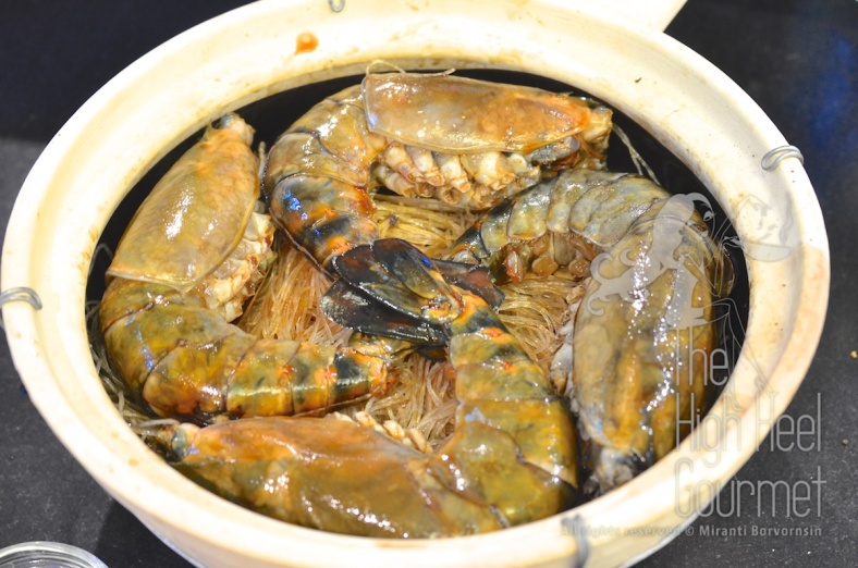 The shrimp-prawn baked in clay pot with glass noodles Goong Ob WoonSen 8