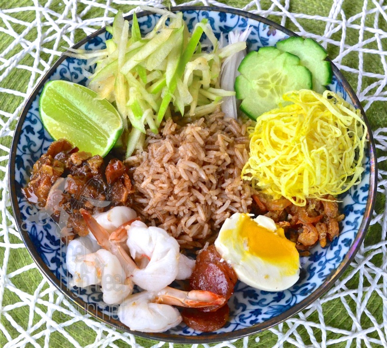 Thai Shrimp Paste Fried Rice - Khao Kluk Kapi by The High Heel Gourmet 8