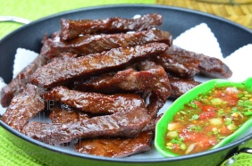 Thai style fried sun-dried beef jerky – Neau Dad Deaw by The High Heel Gourmet 3