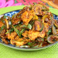 Authentic Thai Chicken Stir-Fry with Curry Paste, Pad Phed Gai – Thai Curry Episode XVIII