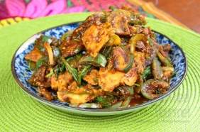 Thai style Chicken stir-fried with curry paste and Thai Eggplants - Pad Phed Gai by The High Heel Gourmet 8